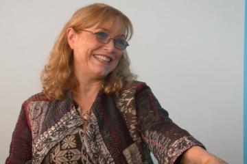 Karen Allen on The Kamla Show